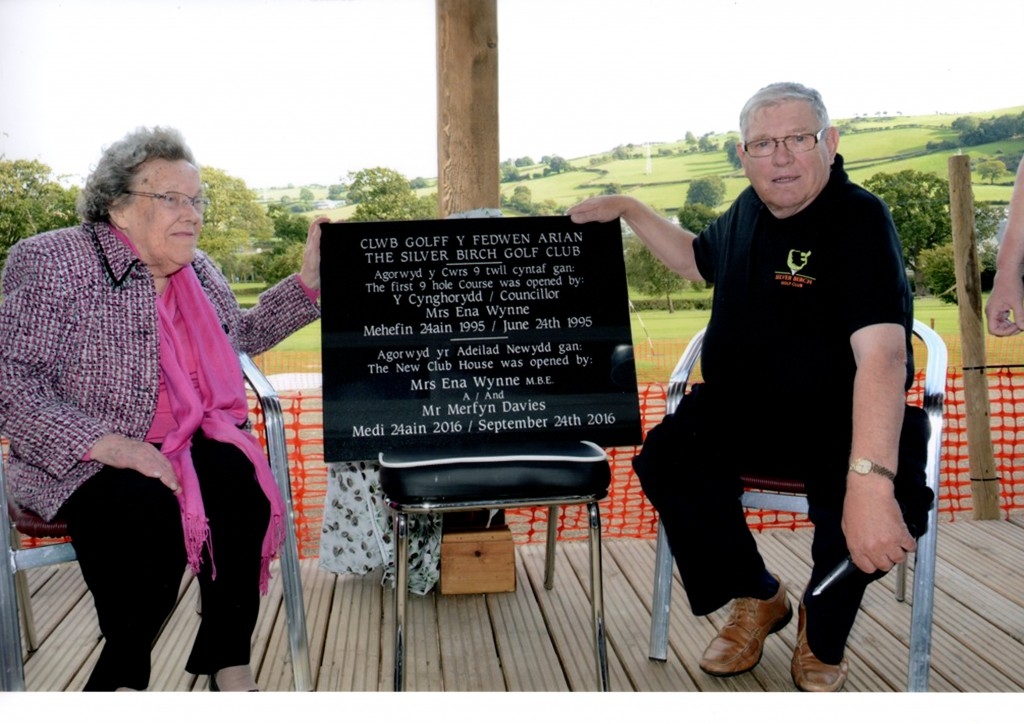 Mrs Ena Wynne MBE & Mr Merfyn Davies, Radio Cymru Reporter